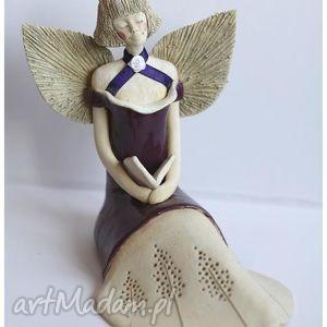 anioł rozłozysty fioletowy z książką, anioł, aniołek, anielica dom