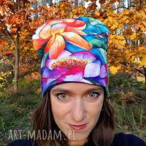 czapka ważka - kwiaty malowane, egzotyczny wzór, wzór akwarelowy, lilia wodna