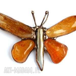 hand-made wisiorki wisior: motyl miodowo-brązowy