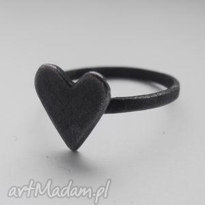 serduszko pierścionek, srebro, zmatowione, oksydowane, prezenty na święta