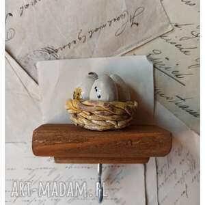 wieszak z ptasim gniazdem, ceramika, wieszak, drewno, ptasie gniazdo, ptaszek