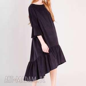 sztruksowa sukienka z falbankami, welur, welurowa, aksamit, sztruks, atramentowa