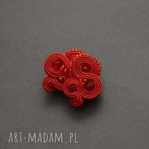 czerwone klipsy sutasz, sznurek, wiszące, koraliki, eleganckie, sztyfty