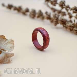obrączka z czerwonego drewna sandałowego, obrączka z drewna, drzewo