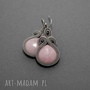 kolczyki sutasz z różowymi jadeitami, sznurek, eleganckie, wiszące, małe, pudrowy