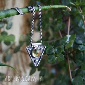 Strzałeczka z cytrynem naszyjniki amade studio boho, trójkątny