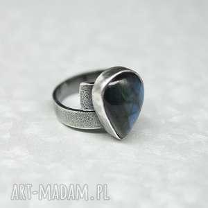 Labradoryt w niebieskościach - pierścionek Sealy , pierścionek, regulowany