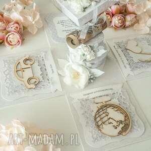 prezent na ślub, kartka z życzeniami, pamiątka ślubu