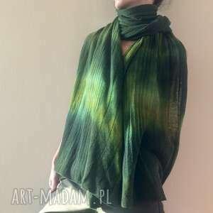 Wełniany szal w zielonościach szaliki anna damzyn szal, szalik