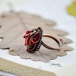 Red - pierścionek z koralem czerwonym, pierścionek, koral, miedź, wirewraping, retro