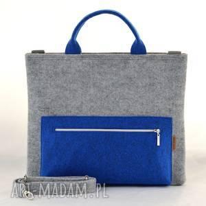 torba na laptopa w kolorze szarym i niebieskim, filcowa laptopówka