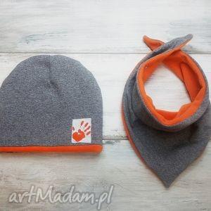 ciepły zimowy komplet czapka i trójkąt dla chłopca