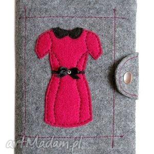 Okładka z sukienką - ,okładka,filc,filcowy,sukienka,cyrkonie,