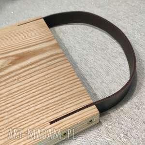 deska z drewna jesionu uchwytem ze skóry naturalnej, deska, skóra, serwowanie