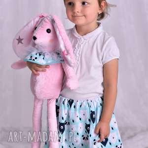 przytulnka dziecięca królik, pomysł na prezent, przytulanka poduszki