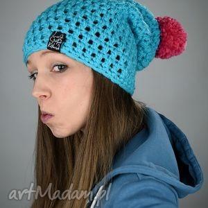 czapki hellove 13, czapka, czapa, akryl, pompon, cieńsza, szydełku, prezent na