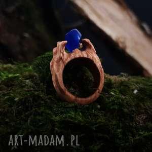 Drewniany pierścień lączony z żywicą Druid s ring , natura, drewniany, etniczny