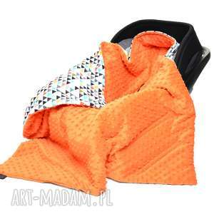 kocyk do fotelika nosidełka kolorowe trójkąty pomarańcz