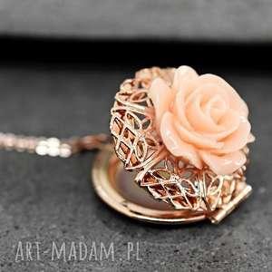 shabby medalion ze zdjęciem - medalion, róża, łańcuszek, kwiat