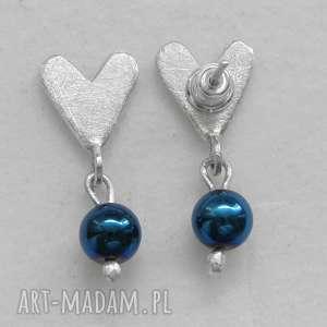 oryginalny prezent, kolczyki serduszko kolczyki, srebro, kamień, serce