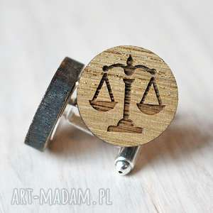 Dębowe spinki do mankietów WAGA dla prawnika, waga, prawnik, prawo, spinki, drewno