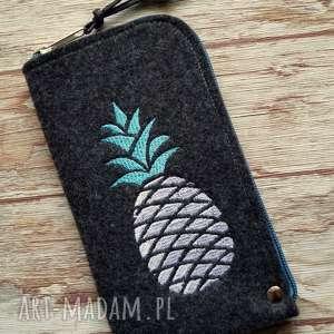 Prezent Filcowe etui na telefon - pineapple, smartfon, pokrowiec, ananasy, haft