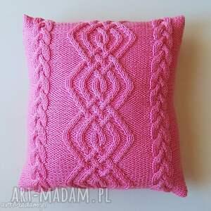 poduszki różowa poduszka, handmade, wlóczkowa, warkocze, miękka