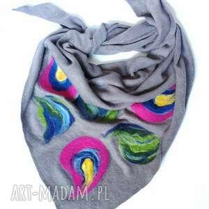 ręcznie robione chustki i apaszki szara chusta handmade wełniana, elementy filcowane