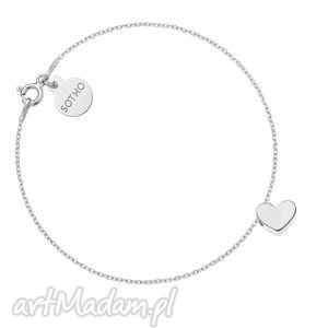 srebrna bransoletka z delikatnym serduszkiem sotho - łańcuszek