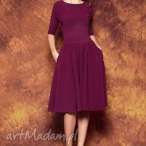 rozkloszowana sukienka z paskiem, sukienka, fioletow, rozkloszowana, prosta