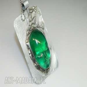 Zielona maska-n46 wisiorki esterka wisior, żywica, maska-żywica