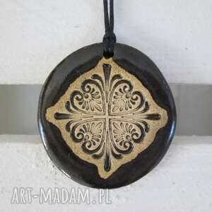 handmade wisiorki wisiorek z etno wzorem