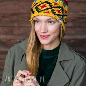 hand-made czapki bazar rozmaitości