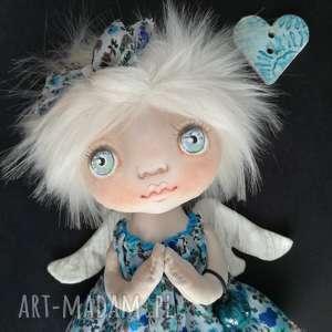 ręcznie wykonane dekoracje e-piet aniołek - dekoracja ścienna figurka tekstylna szyta