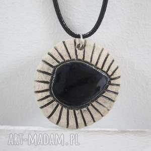 naszyjnik z czarnym oczkiem - ,ceramiczny,etniczny,etno,z-ceramiki,naszyjnik,na-prezent,