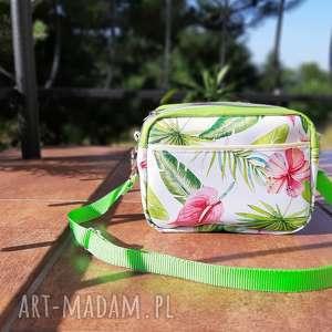 Mala torebka w egzotyczne kwiaty na ramię catoo accessories mała