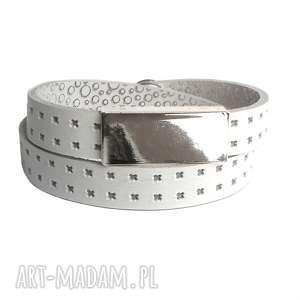 Bransoletka skórzana biała ze srebrną sztabką, owijana