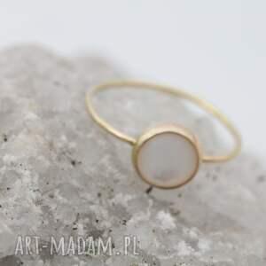 delikatny złoty pierścionek kolekcja less makes more, złoto 585 14k