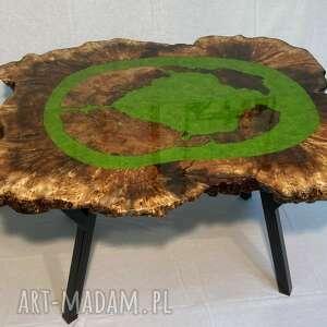 andrzej kasprzak stół, stolik kawowy z plastra drewna i żywicy epoksydowej