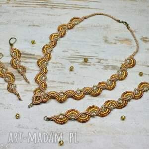 Prezent Elegancki komplet biżuterii w odcieniach złota, elegancki-naszyjnik