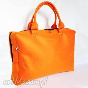 ręcznie zrobione cityfelt - torebka neseser, torba na laptop pomarańczowa