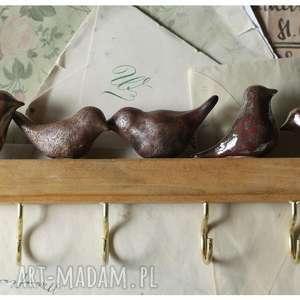hand-made wieszaki wieszak z metaliczno-rdzawymi ptaszkami