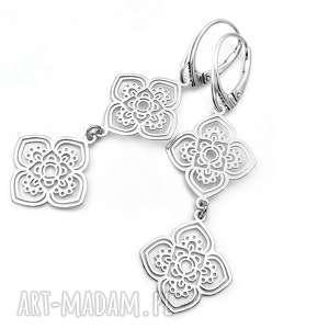Długie srebrne kolczyki ornament pudełko pracownia tanat