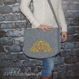 filcowa torebka na ramię - listonoszka hand made, torba, laptop, filc, grawer