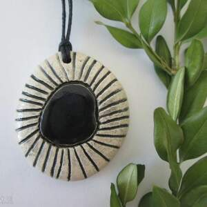 czarny etno wisiorek - ,ceramiczny,wisior,etniczny,