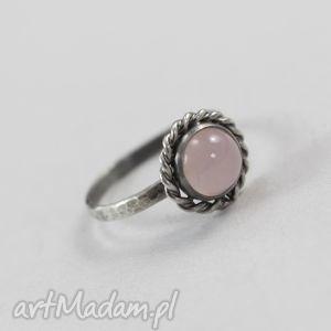Kwarc różowy i srebro - pierścionek, kwarc, różowy, srebro, młotkowany