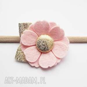 Opaska do włosów z kwiatkiem jasny róż kolekcja Roma, filc, kwiatek, dziewczynka