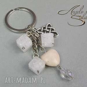 ~angelo~ brelok do kluczy, torebki KRYSZTAŁ LODOWY, brelok, kamień, howlit, serce