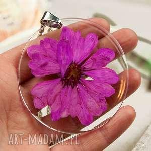 Prezent z124 Duży wisior z suszonym kwiatem w żywicy, naszyjnik-z-kwiatem
