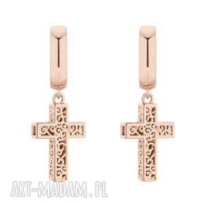 kolczyki z różowego krzyżami, krzyż, rock, rockowe, masywne, ażurowe